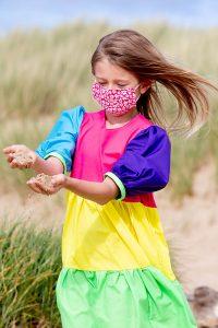 Lola beach rainbow mask